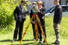 pupils-try-surveying-at-the-orry-eaglesham
